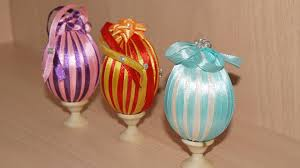Картинки по запросу украшение пасхальных яиц нитками мулине