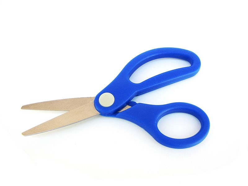 http://www.oilersaddict.com/wp-content/uploads/2014/10/800px-Small_pair_of_blue_scissors.jpg