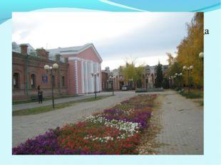 В конце ХIХ века это были два здания (торговые дома братьев Баландиных и купц