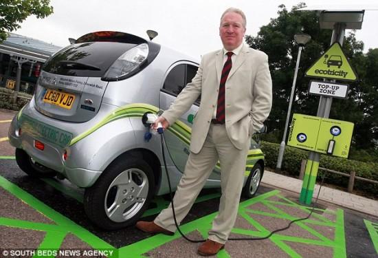 Одним из первых клиентов стал министр транспорта Майк Пеннинг