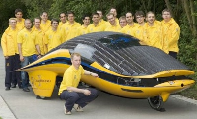Автомобиль на солнечных батареях SolarWorld No.1