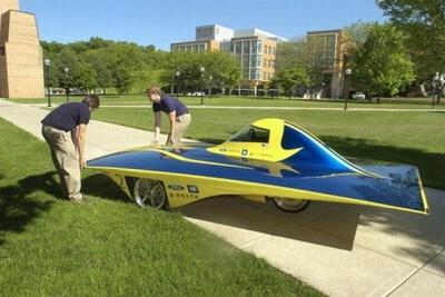 Автомобиль на солнечных батареях Infinium