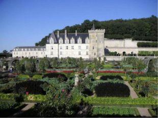 Франция , как и многие европейские страны славилась многочисленными построенн
