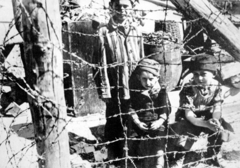 Дети за колючей поволокой в концлагере Бухенвальд