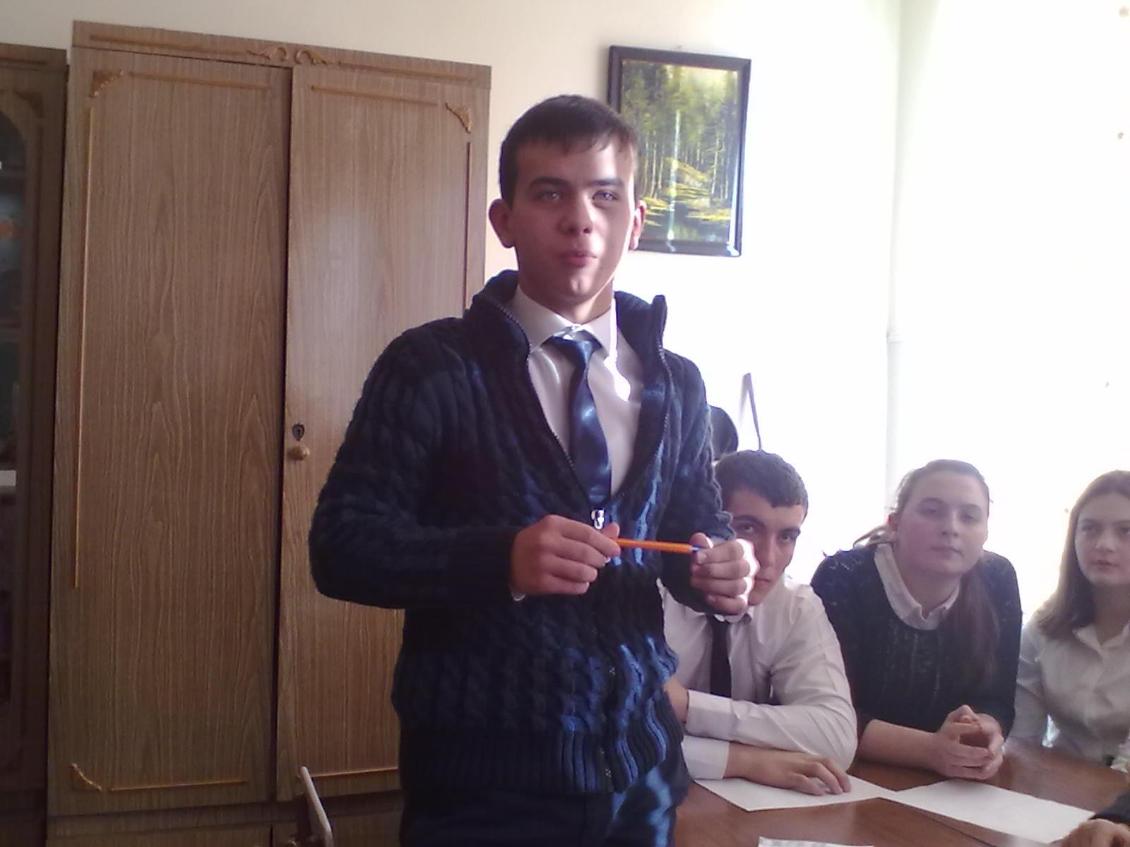 C:\Users\Гимназия №45\Desktop\Исторический КВН\Никитченко В.-лучший игрок команды 10 Б кл..jpg