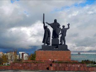 Во времяВеликой Отечественной войныпромышленность города была переориентиро