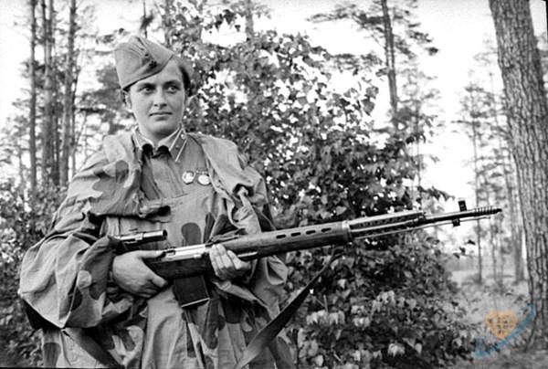 Подвиг женщины-снайпера Людмилы Павличенко Людмилы, Павличенко, женщины, подвиг, снайпера