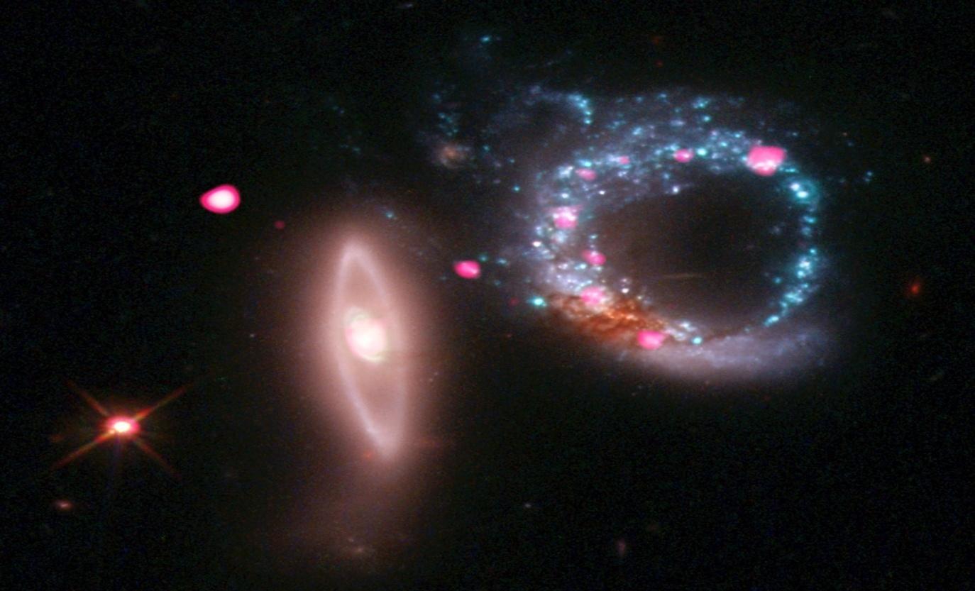 C:\Users\Наталья\Desktop\в космосе сфотографировали кольцо из черных дыр.jpg