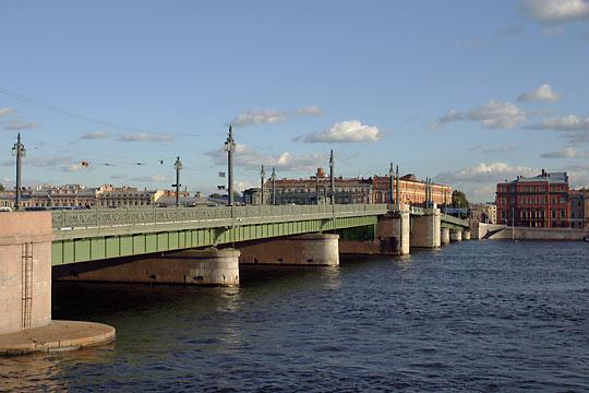 Lieutenant Schmidt Bridge, St. Petersburg, Russia