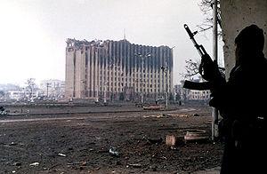http://upload.wikimedia.org/wikipedia/commons/thumb/c/cc/Evstafiev-chechnya-palace-gunman.jpg/300px-Evstafiev-chechnya-palace-gunman.jpg