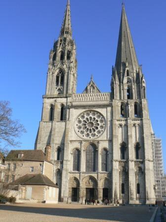 D:\Ирина\архитектура\готика в архитектуре\Chartres.jpg