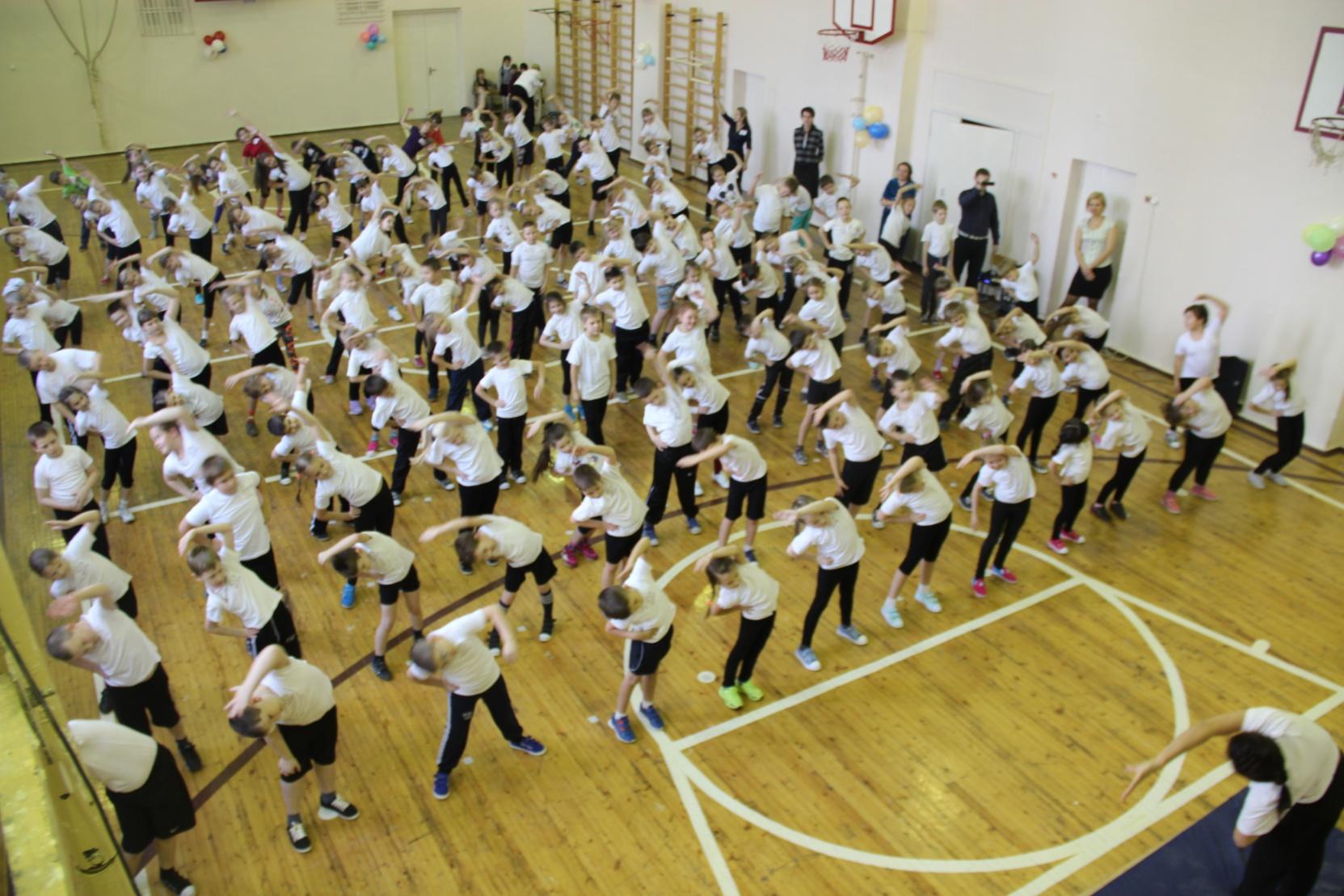 D:\фото\школа2015\солгечная спартакиада 2015\07.10.2015 открытие СС фитнес калейдаскоп\IMG_0280.JPG