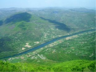 Большая часть Сербии (92,4%) относится к бассейнуДуная, протяжённость котор