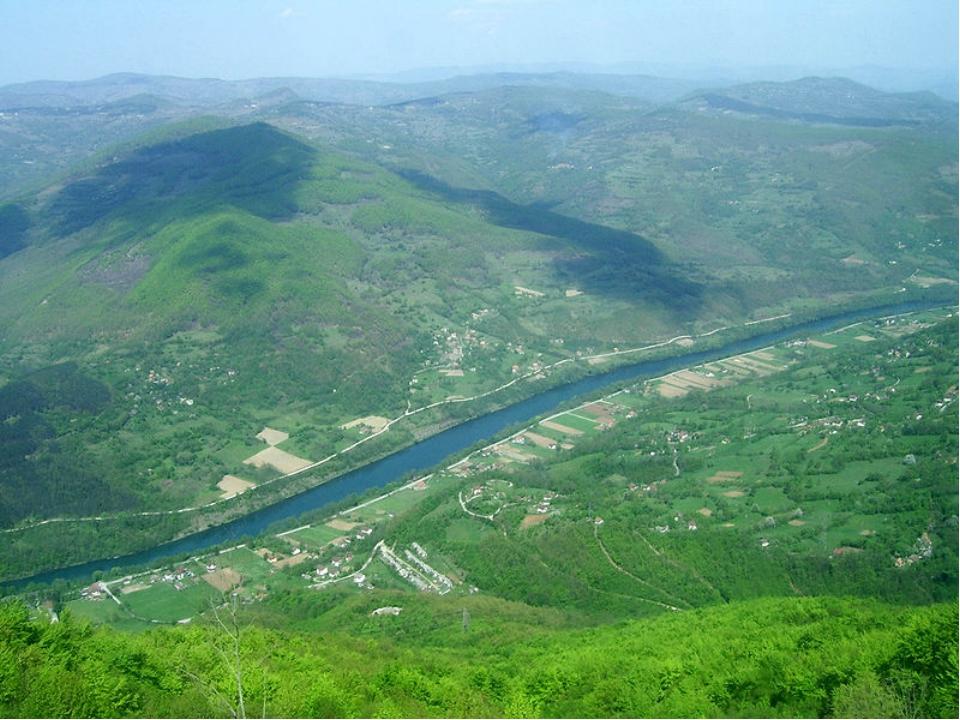 Большая часть Сербии (92,4%) относится к бассейнуДуная, протяжённость котор...