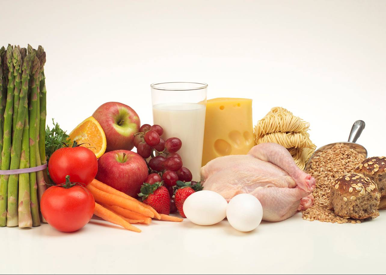 nutrition and food choices According to the cleveland clinic, nutrition experts years ago took note of typical diets in regions such as crete, other parts of greece and southern italy, where life expectancy was high and heart disease rates were low.