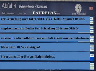 der Schnellzug nach fährt Auf Gleis 4 Köln, Ankunft 10 Uhr. angekommen aus Be