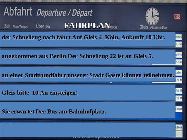 der Schnellzug nach fährt Auf Gleis 4 Köln, Ankunft 10 Uhr. angekommen aus Be...