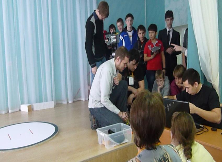 D:\ФОТО\ЛЮБА\Соревнования по робототехнике. Тюмень, 2 февраля 2013 года\P1010730.JPG
