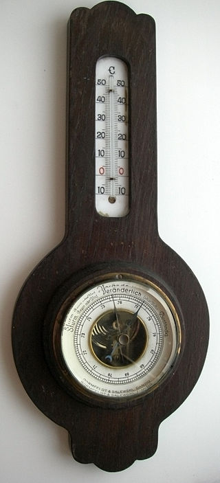https://upload.wikimedia.org/wikipedia/commons/thumb/0/01/Barometer.jpg/320px-Barometer.jpg