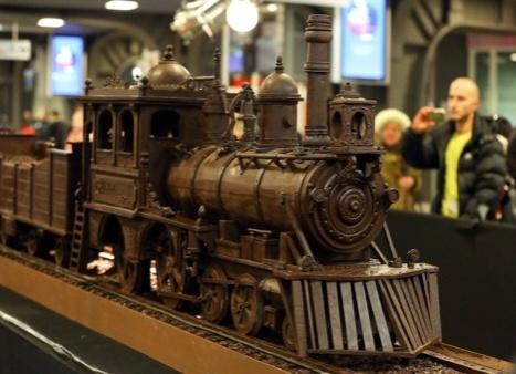В Брюсселе вылили из шоколада самый длинный поезд Факты со всего мира