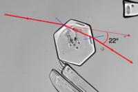 https://upload.wikimedia.org/wikipedia/commons/thumb/7/70/Light-ice_22deg_hg.png/200px-Light-ice_22deg_hg.png