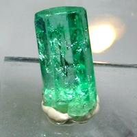 G:\Проект по кристаллам\изумруд.jpg