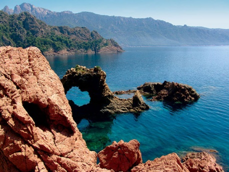 http://travel-wiki.ru/images/articles/176/corsica4.jpg