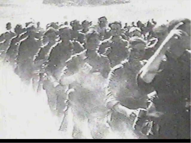 Битва за Москву В результате молниеносного продвижения немецкие войска уже в...