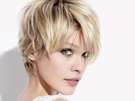 http://www.hiperfeminina.com/blog/wp-content/gallery/cabelo-desfiado/cabelo-desfiado-9.jpg