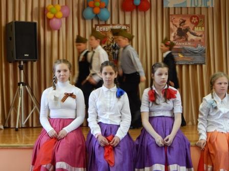 http://www.schoolkor8.narod.ru/img/may2015/9may2015/festival3.jpg