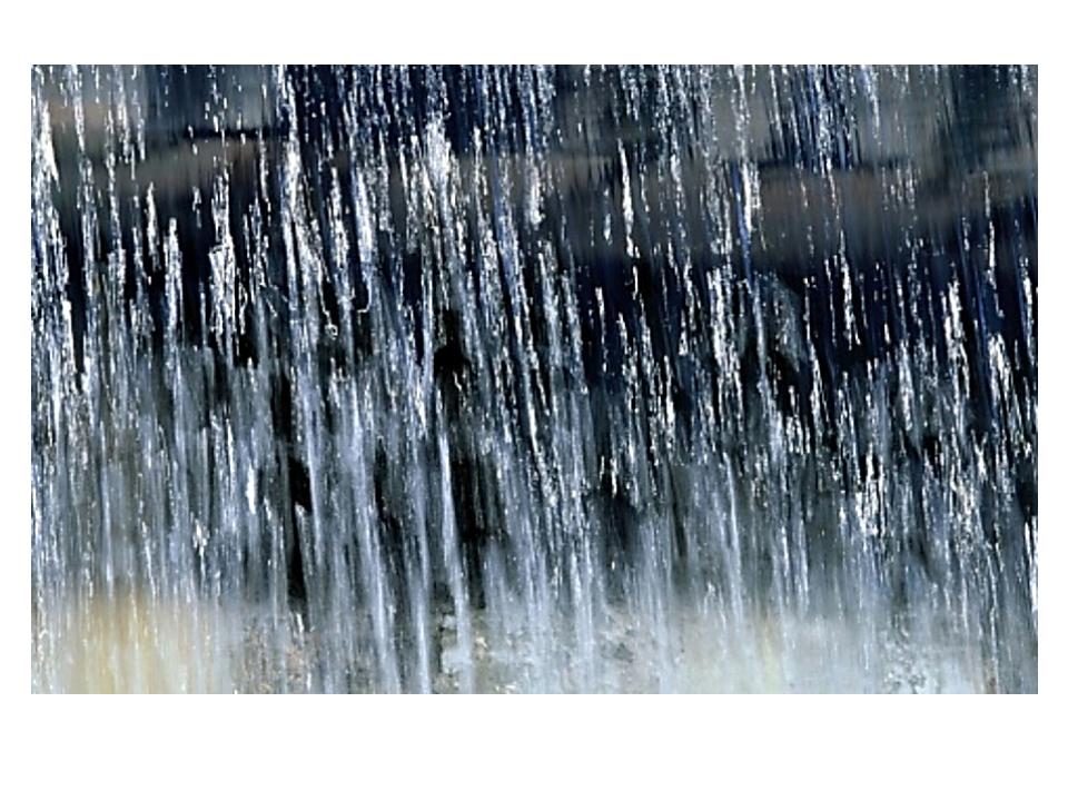 Струи дождя сравнивают с линиями, колкими или мягкими, непрерывными или прер...