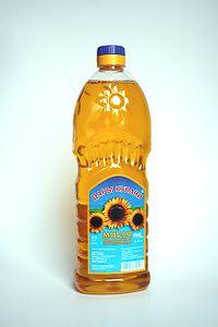 http://upload.wikimedia.org/wikipedia/commons/thumb/7/7d/Sunflowerseed_oil.jpg/200px-Sunflowerseed_oil.jpg