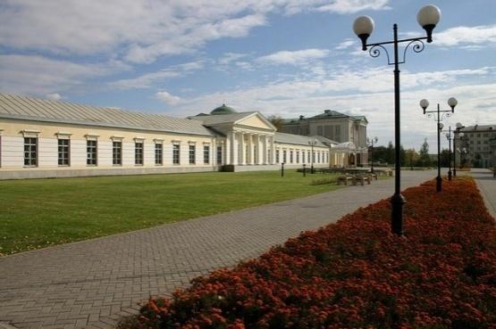 http://allneboscreb.ru/uploads/posts/2012-06/1339495589_zdanie-arsenala-nacionalnyy-muzey.jpg