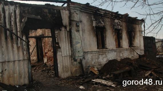 В Липецкой области по факту гибели двух детей во время пожара возбуждено уголовное дело