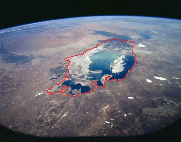 http://imgtube.ru/images/stories/2013/06/024-aral/1957-aral-sea-shoreline-big.jpg