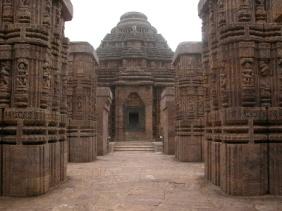 D:\лена\изображения\картины\архитектура народов мира\индия\храм солнца(черная пагода) конарак индия.jpg