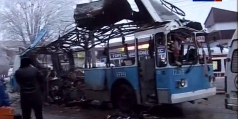 http://telegraf.com.ua/files/2013/12/volgograd-troleibus5.jpg