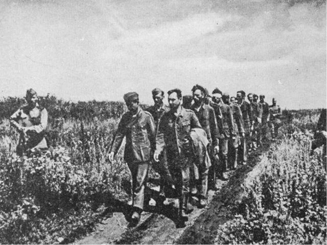 Беспримерные мужество и героизм советских солдат. Подвиг советских партизан....