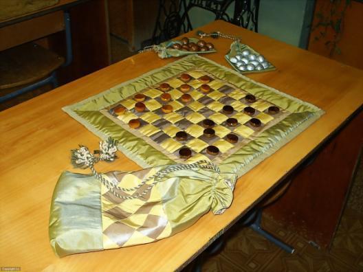G:\проекты\Чужие проекты\Ложкина С.А\2006-2007\Подарочный набор шашки\Элементы проекта + фото\PIC_0100_DCE.JPG