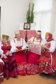 http://korely.ru/data/galery/prazdniki/2013-rukomesla/002.jpg