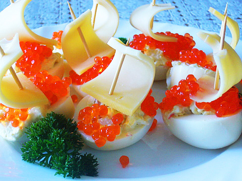 http://supercook.ru/decoration/images-decoration/eggs-ikra-00.jpg