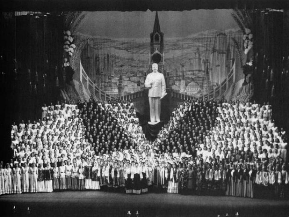 В годы Великой Отечественной войны Большой театр находится в эвакуации в Куйб...