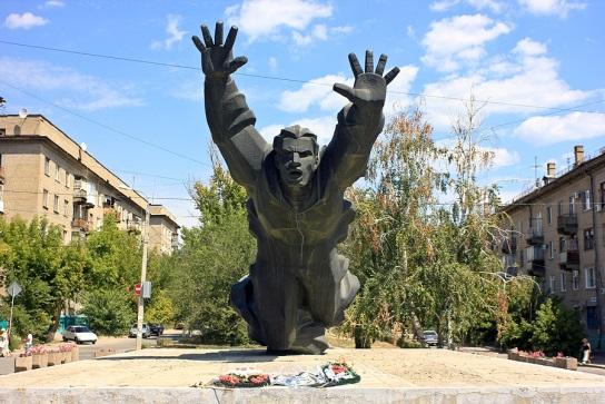 http://ic.pics.livejournal.com/ismailmadgit/35634948/144197/original.jpg