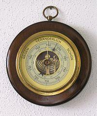 https://upload.wikimedia.org/wikipedia/commons/thumb/3/3c/Wohnzimmerbarometer.jpg/200px-Wohnzimmerbarometer.jpg
