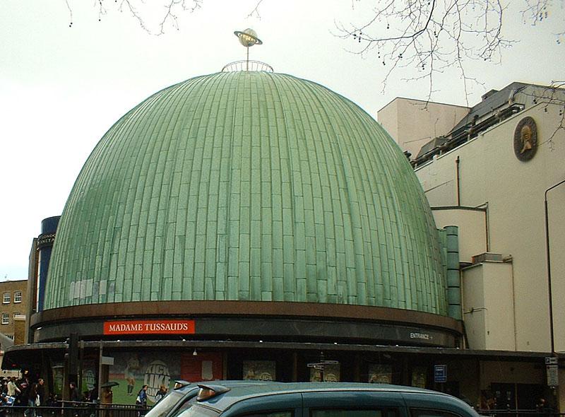 http://upload.wikimedia.org/wikipedia/commons/6/6b/Madame_Tussauds_London.jpg
