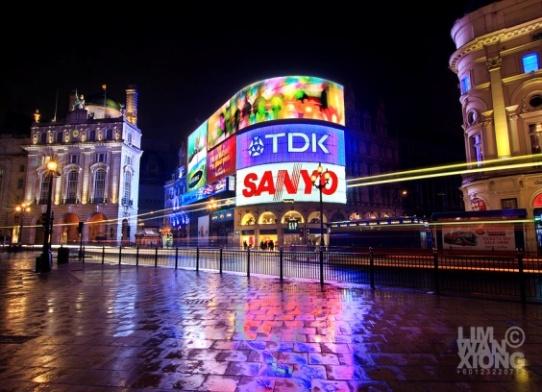 http://api.ning.com/files/vWbBOqTymbhs1vjnMad1qFZYazUXONPLkTMEn-RU5rA6fjcOe8NM8PT7Tcb1YvG0z9S8gPlcSa5vU5P9gvQXajCcX-Za4TSw/Piccadilly_Circus_by_couleur.jpg