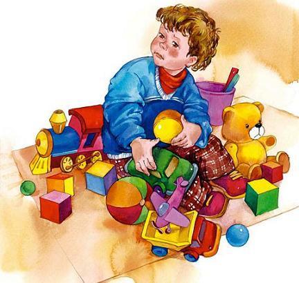 мальчик с игрушками сидит на полу