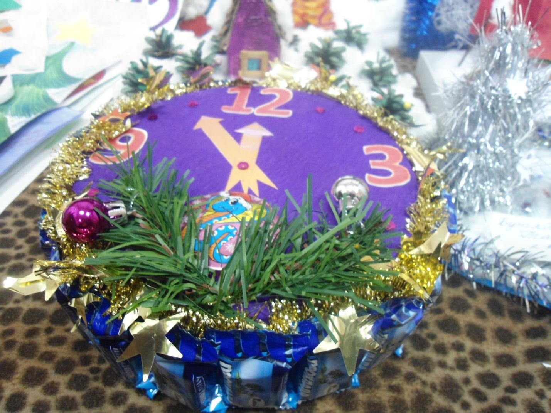D:\фото\Фото р. Малыш\Новогодняя игрушка поделки и рисунки 2012\DSC02504.JPG