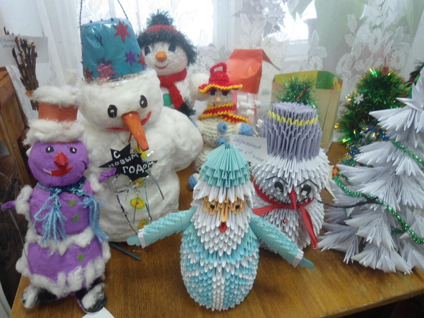 D:\фото\Фото р. Малыш\Новогодняя игрушка поделки и рисунки 2012\DSC02500.JPG