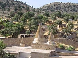 http://upload.wikimedia.org/wikipedia/commons/thumb/a/a5/Lalish_the_whole_view.jpg/270px-Lalish_the_whole_view.jpg